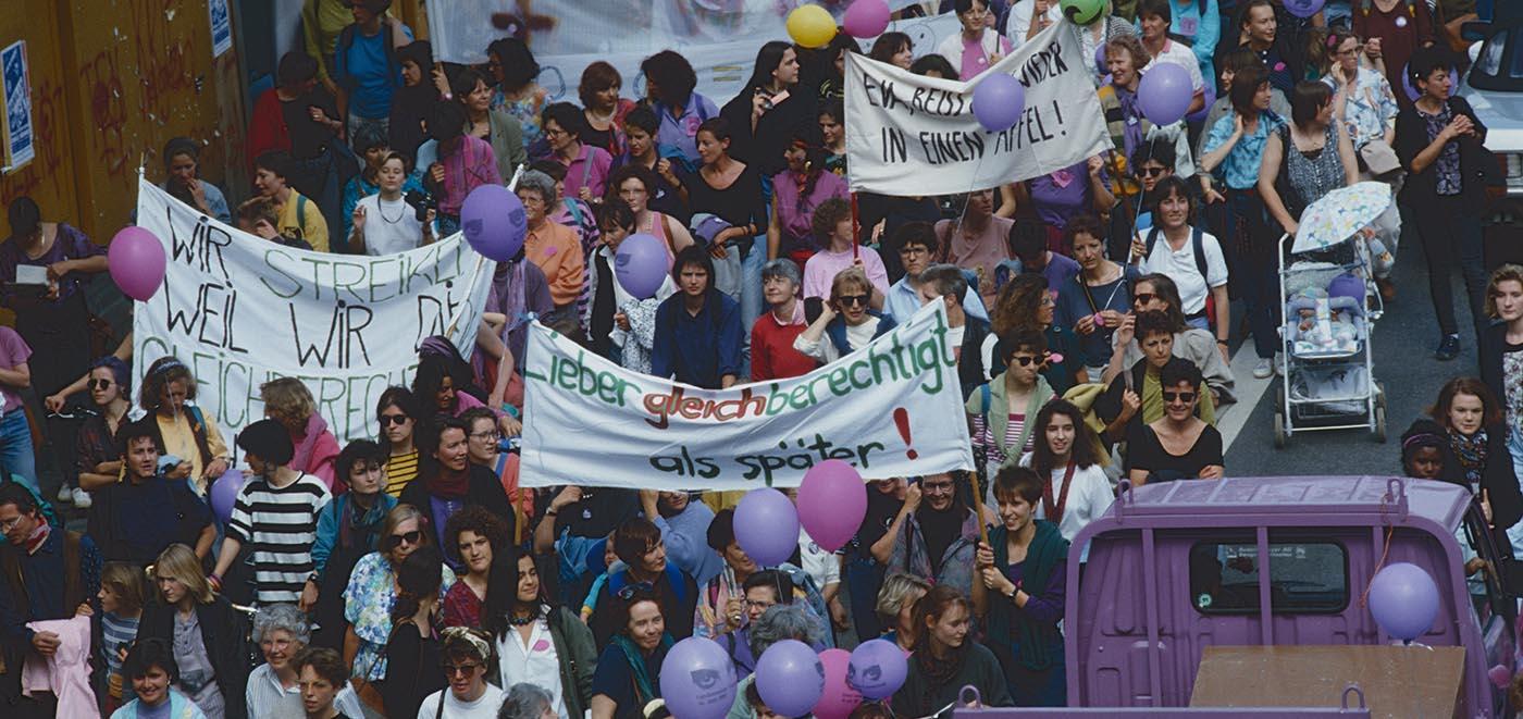 Foto von einer Demo in Zürich am Frauenstreik 1991